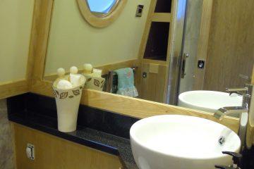 Ma & Pa Bathroom 067